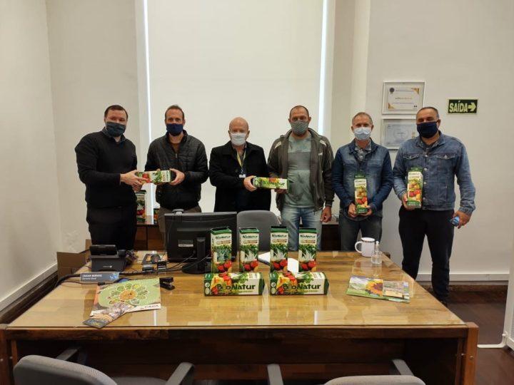 Parceria entre Banrisul, CAPA e organizações da agricultura familiar viabilizam entrega de kits de sementes